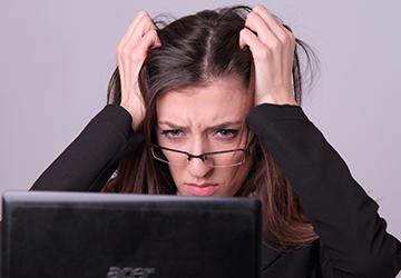 甲状腺疾患の症状の1つである脱毛が生じることです